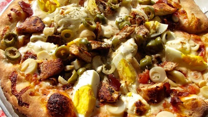 Brazilian Pizza with a wide variety of toppings